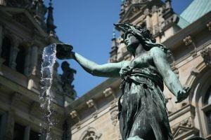 Detalle escultura Hygieia para milartienda.com