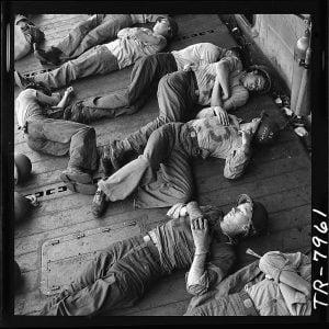 hombres exhaustos de steicher milartienda